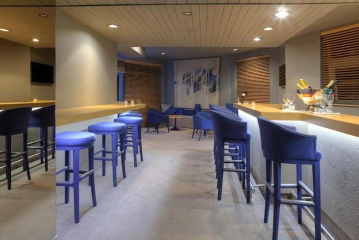 Bar 17º no Hotel Dom Henrique Downtown