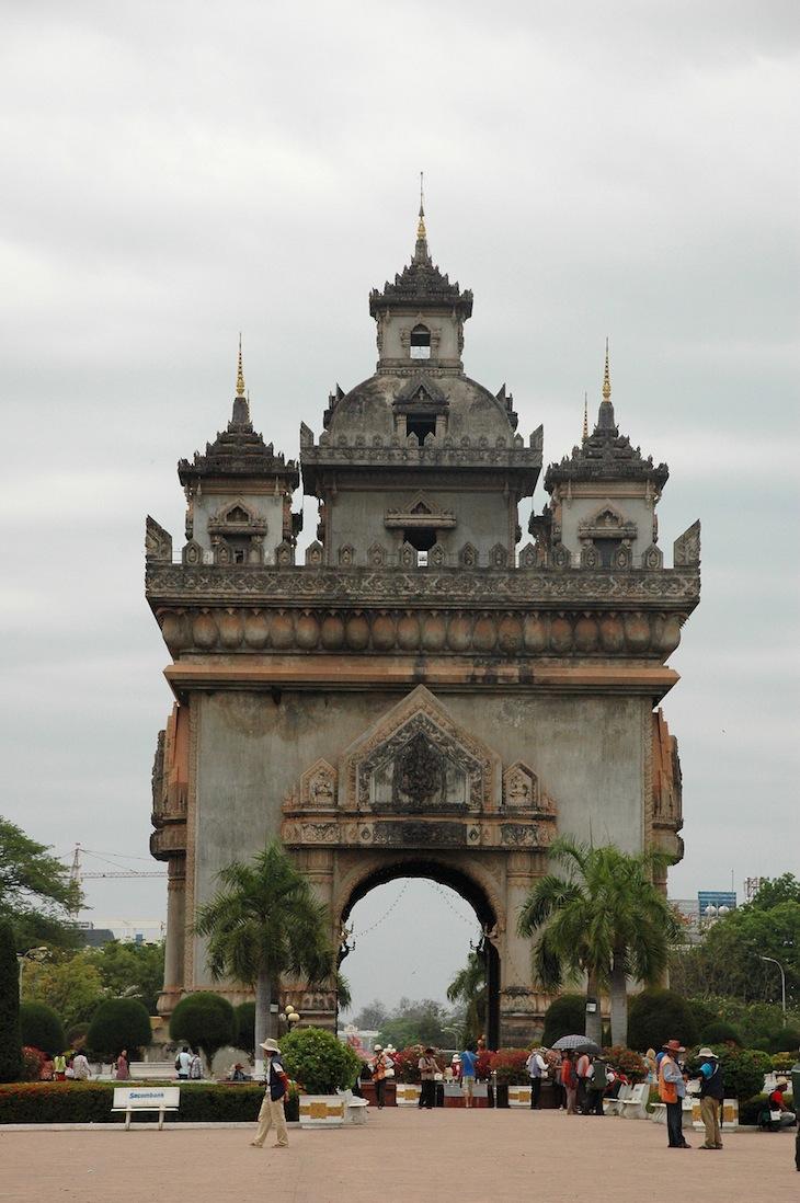 Patuxai, Viantiane