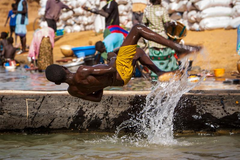 Na aldeia pescatória do rio Níger, antes de Mopti
