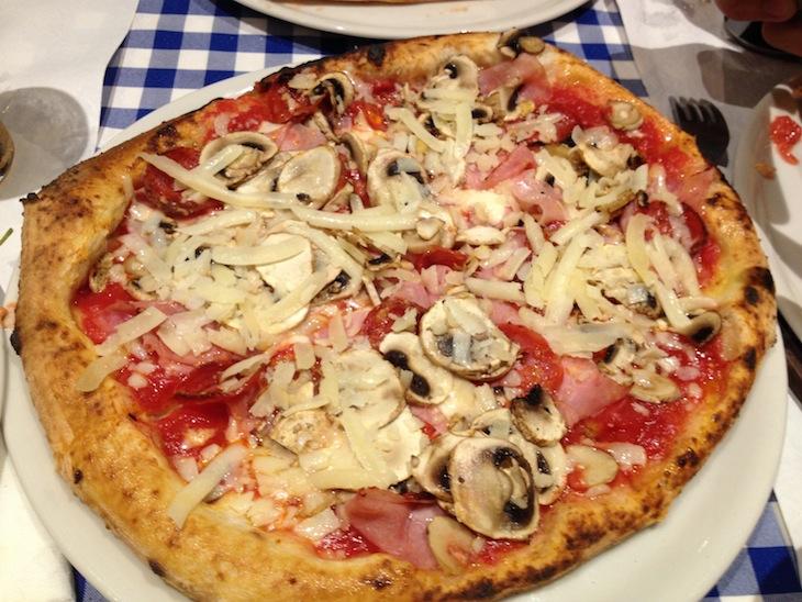 Pizza na Pulcinella