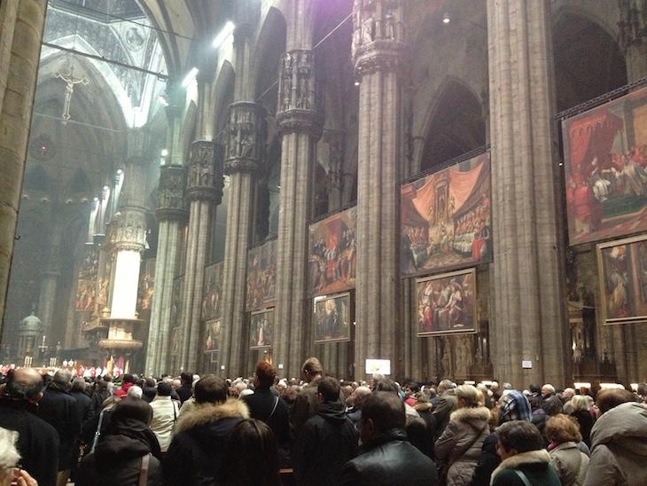 Dentro da Duomo