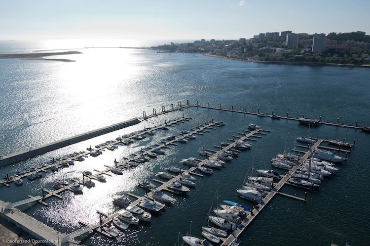 Vista aérea da Douro Marina