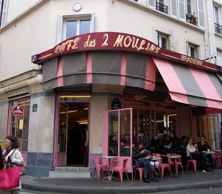 Café des Deux Moulins, Montmartre, Paris © Viaje Comigo