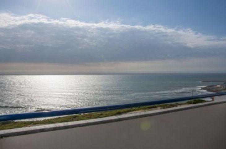 The Wave Beach & Surf Hostel, Ericeira