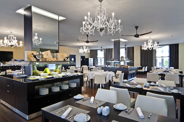 Restaurante Lisbonense no Sana Silver Coast