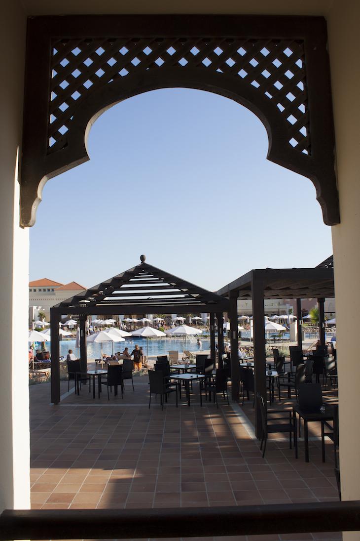 Esplanada da piscina Be Live Hotel
