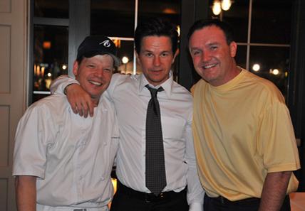Chef do Alma Nove, Paul, com os irmãos Mark e Donnie