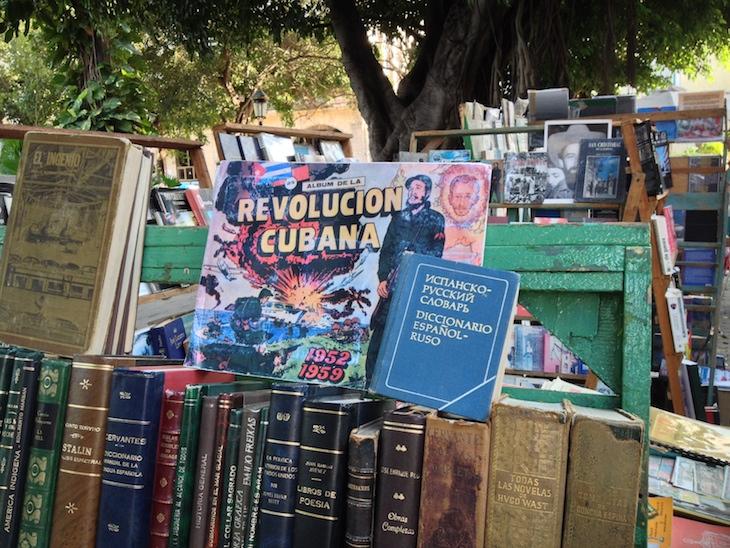 Livros na Plaza de Armas
