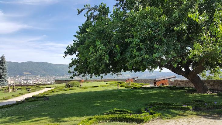 Jardins da Torre de Menagem de Chaves © Viaje Comigo