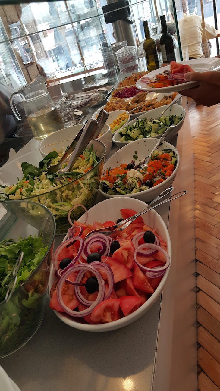 Buffet de Saladas - Cultura dos Sabores © Viaje Comigo