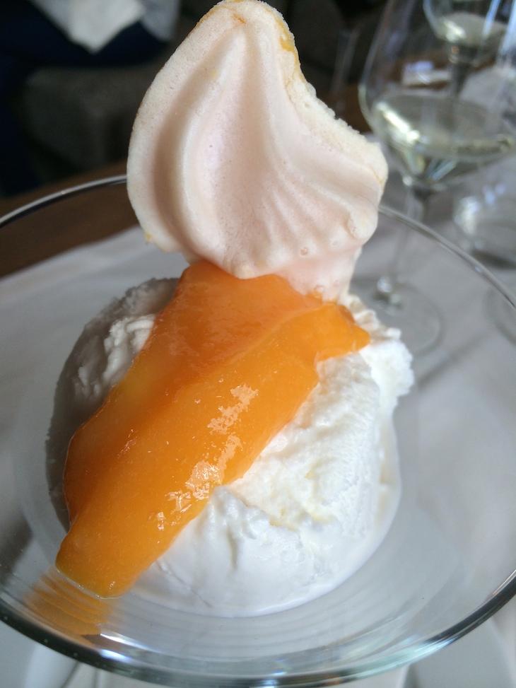 Restaurante Memorial: gelado de nata com ovos moles
