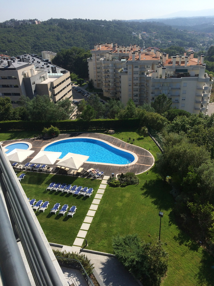 Piscina no Montebelo Viseu Hotel & Spa © Viaje Comigo