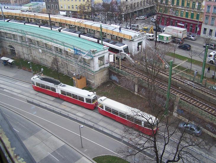 Metro e comboio em Viena