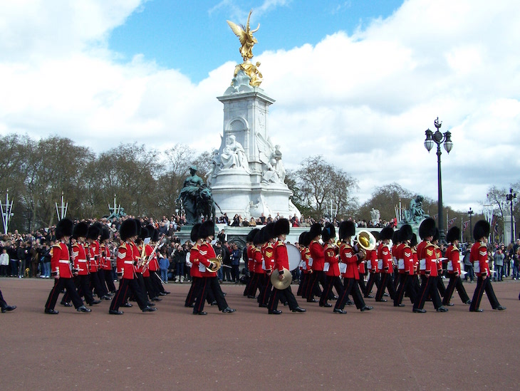 Troca na Guarda Real - Palácio de Buckingham, Londres