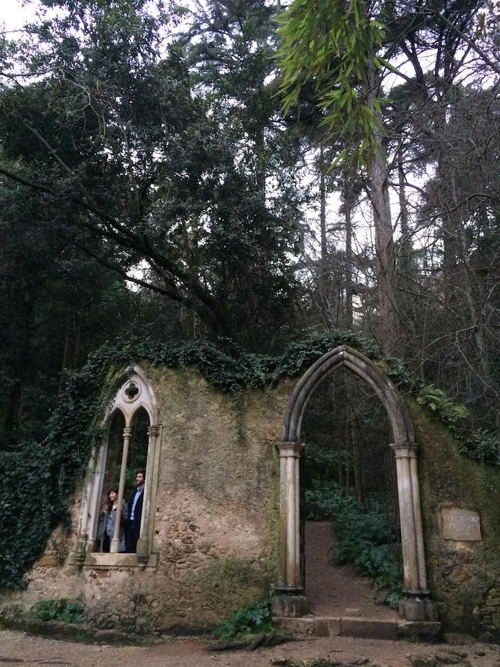 Casal na arcada da Fonte dos Amores, Quinta das Lágrimas, Coimbra