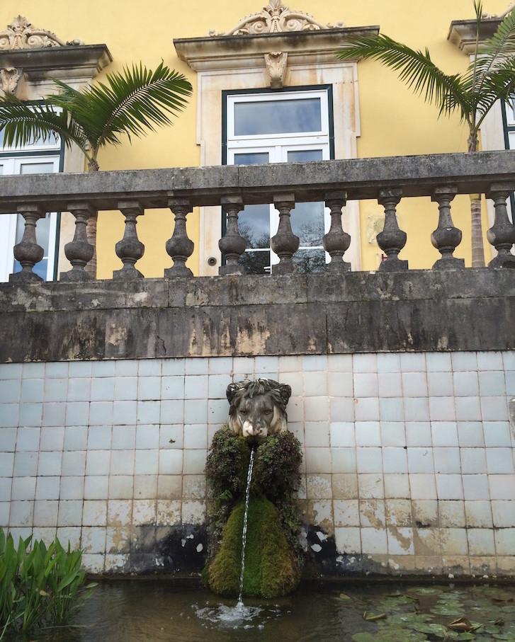 Fonte na entrada da Quinta das Lágrimas, Coimbra
