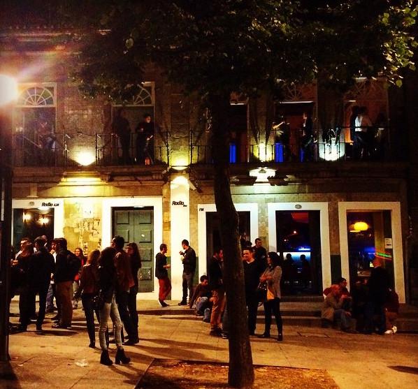 Fachada Radio Bar - Radio Bar Direitos Reservados