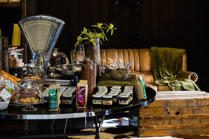 Mostra de produtos tradicionais que podem ser adquiridos no Furnas Boutique Hotel Thermal & Spa ©Nickolas Bayntun
