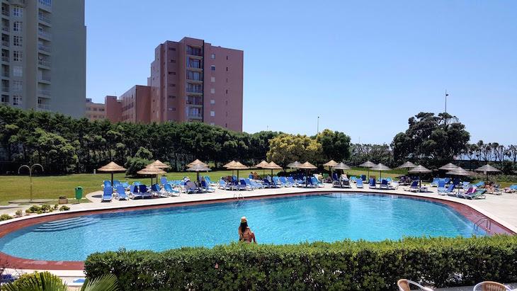 Piscina AXIS Vermar Conference & Beach Hotel - Póvoa de Varzim © Viaje Comigo