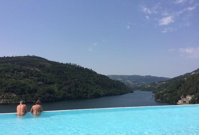 Vista da piscina do Douro Royal Valley Hotel © Viaje Comigo
