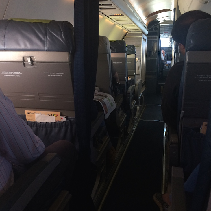 Dentro de avião TAP  @ Viaje Comigo