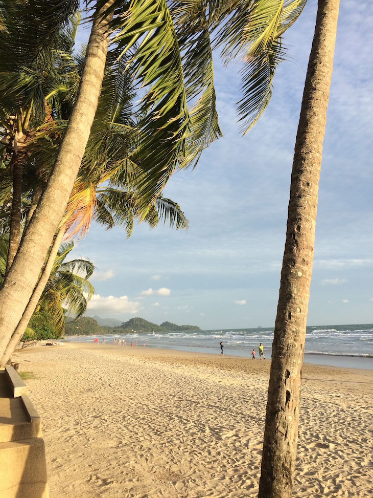Praia em Ko Chang, Tailândia © Viaje Comigo