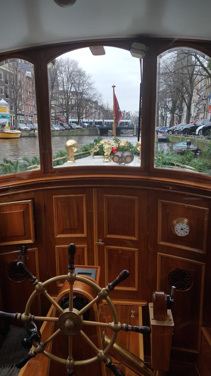 Barco Tourist do Canal Tour do Eating Amsterdam em Amesterdão © Viaje Comigo