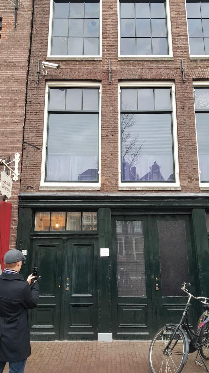 Entrada da Casa de Anne Frank Amesterdão © Viaje Comigo