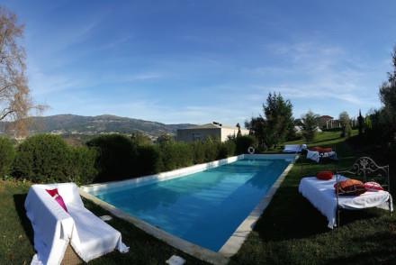 Panorâmica da piscina do Carmo's Boutique Hotel © Viaje Comigo
