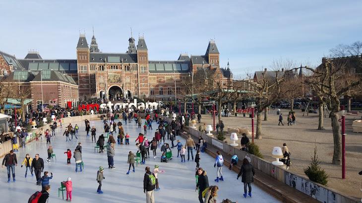 Pista de gelo e Rijksmuseum, Amesterdão © Viaje Comigo