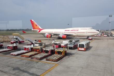 Avião AirIndia no aeroporto de Cochim, Kerala, India © Viaje Comigo