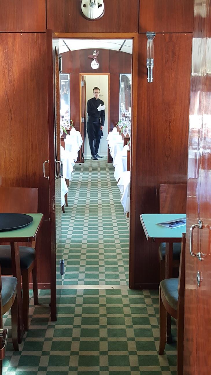 Dentro do comboio presidencial © Viaje Comigo