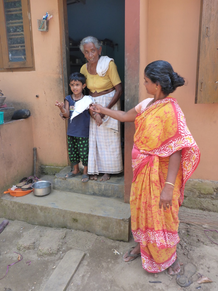 Familia em Kumarakom – Village life experience, Kerala, Índia © Viaje Comigo
