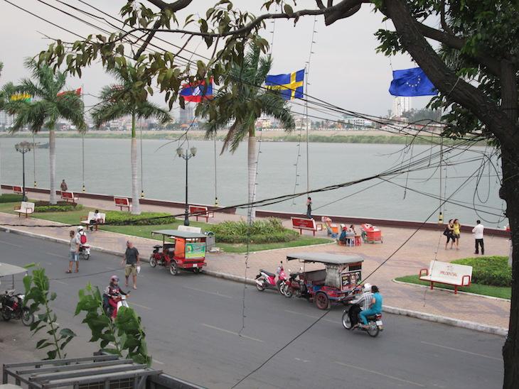 Junto ao rio Mekong, Phnom Phen, Cambodja - Foto Andreia Palmeirim