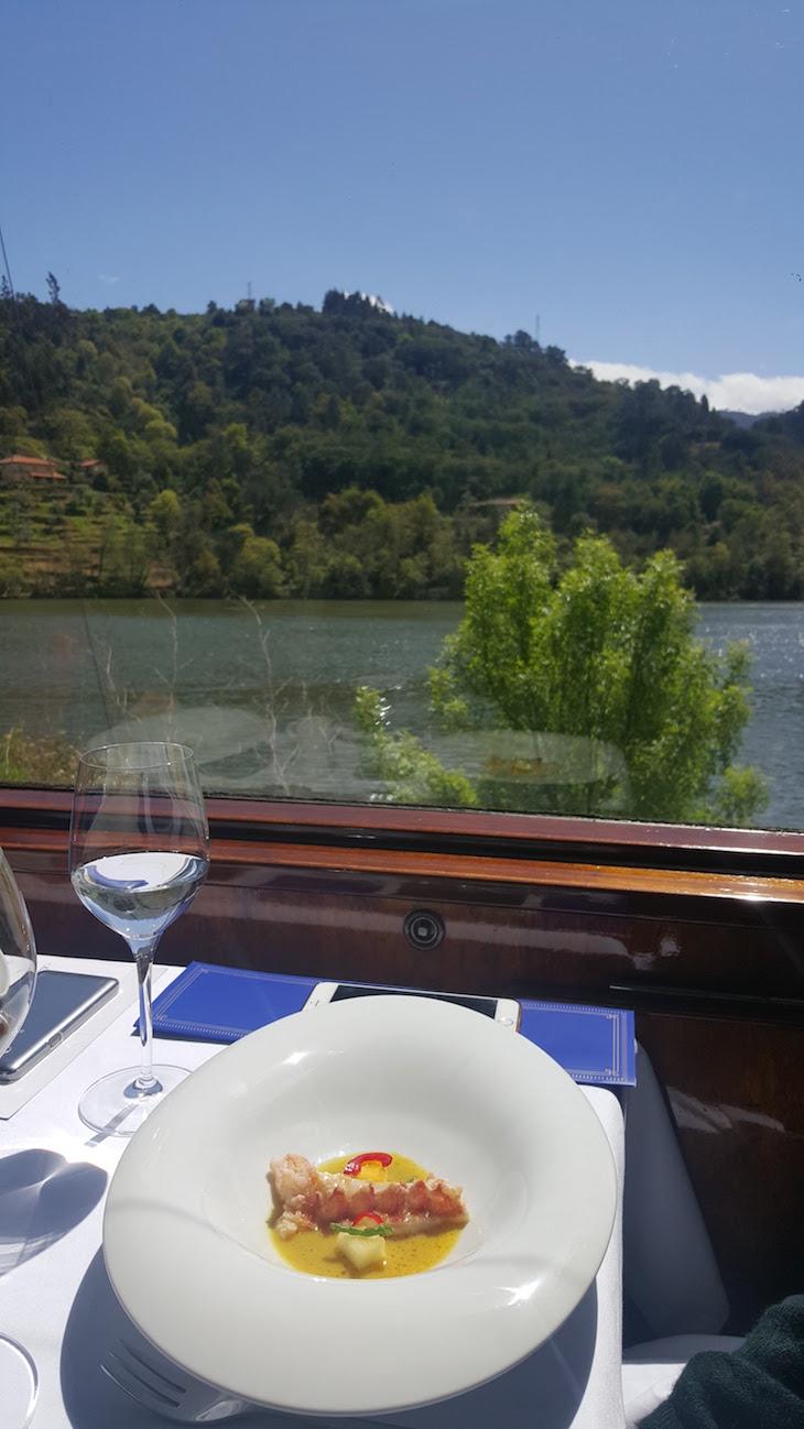 Restaurante com vista no comboio presidencial © Viaje Comigo