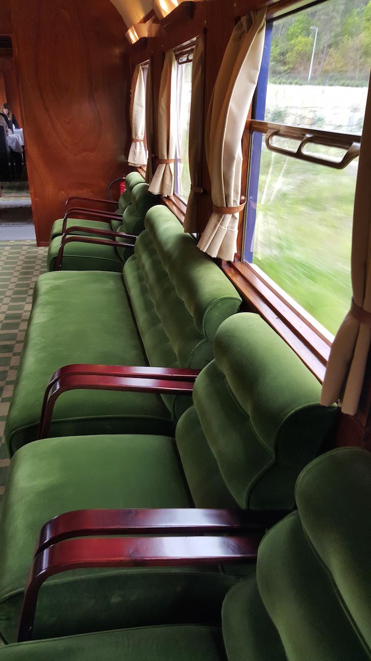 Sofás no comboio presidencial © Viaje Comigo