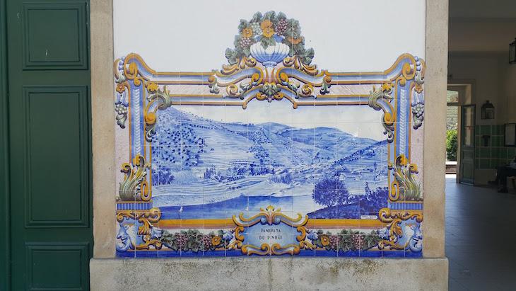 Azulejos na Estação do Pinhão © Viaje Comigo