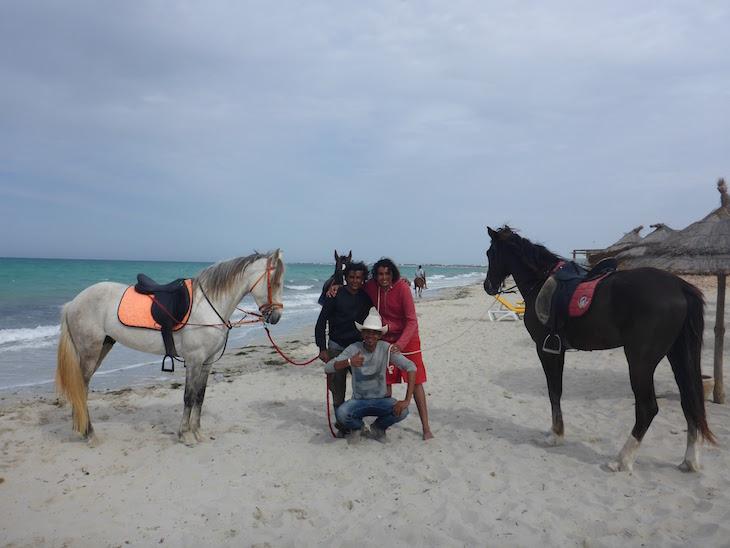 Cavalos na praia - Vincci Djerba Resort © Viaje Comigo.pg