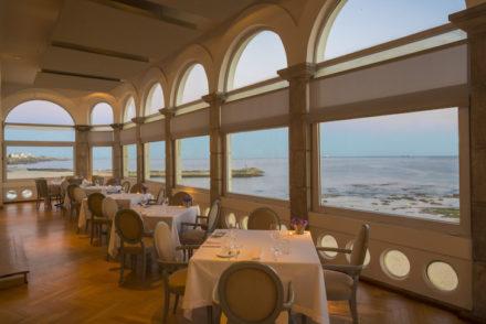 Restaurante Villa Tamariz Utopia - Direitos Reservados
