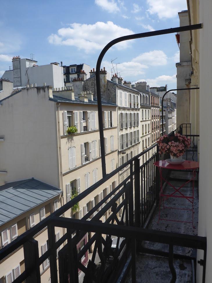 Varanda do apartamento HomeAway em Paris © Viaje Comigo