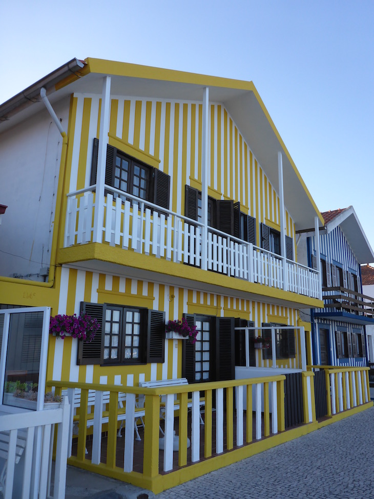 Casa amarela da Costa Nova, Aveiro © Viaje Comigo