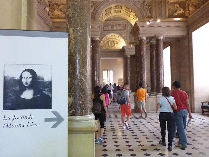 Indicações para Mona Lisa -Museu do Louvre, Paris © Viaje Comigo