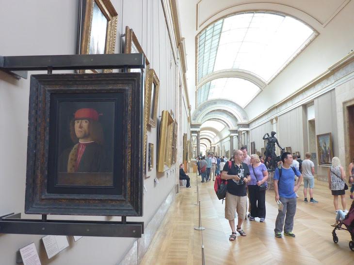 Pintura de Marco Marzieale - Museu do Louvre, Paris © Viaje Comigo