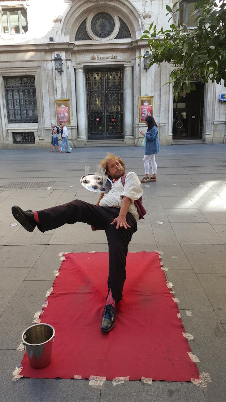 Homem- estátua na Avenida de la Constitucion - Sevilha © Viaje Comigo