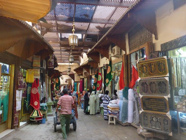 nos souks da medina de fez marrocos viaje comigo