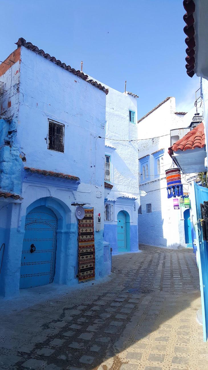 Pelas ruas de Chefchaouen, Marrocos © Viaje Comigo