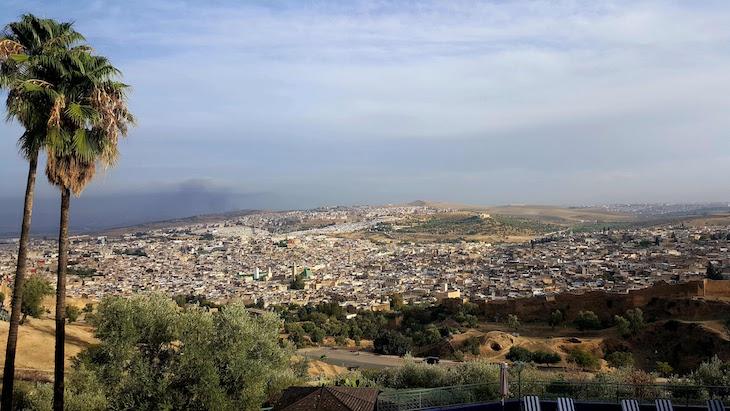Vista do Hôtel Les Mérinides, sobre a medina de Fez - Marrocos © Viaje Comigo