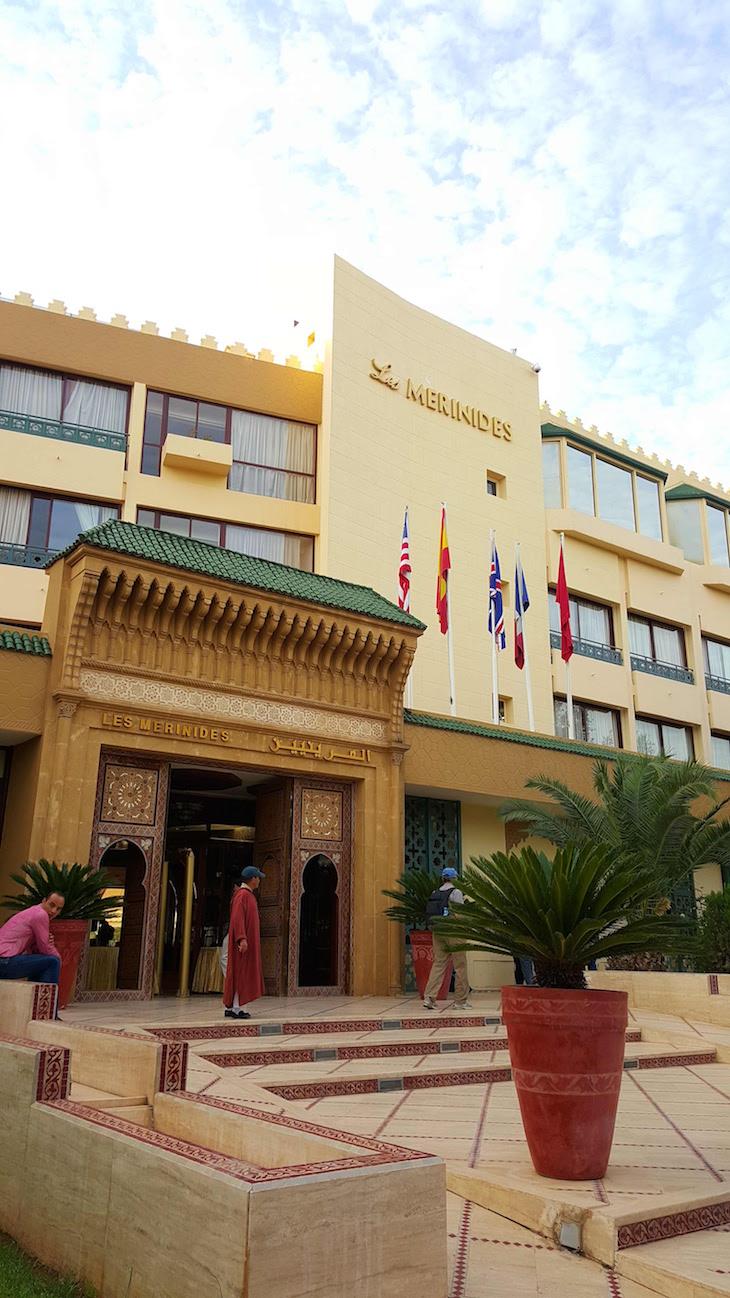 Entrada do Hôtel Les Mérinides - Fez - Marrocos © Viaje Comigo