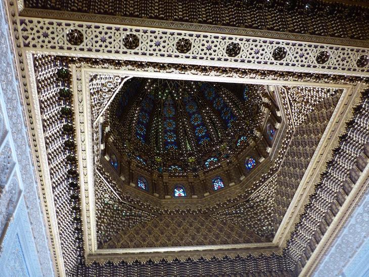 Teto do Mausoléu de Mohamed V - Rabat, Marrocos © Viaje Comigo