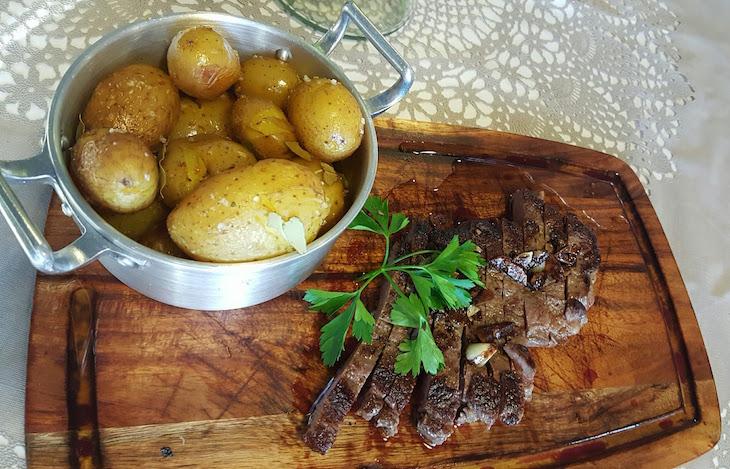 Carne e batata - Restaurante Villazur © Viaje Comigo